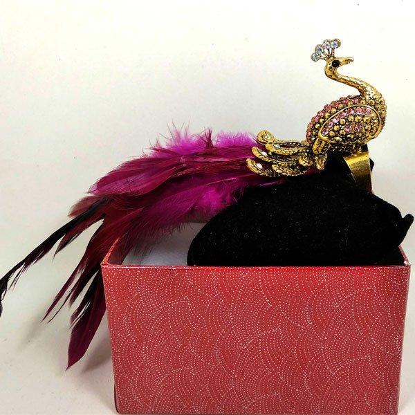 মাল্টি কালার ময়ূর হালকা গোলাপী স্টোন ডিজাইনের হাতের আংটি