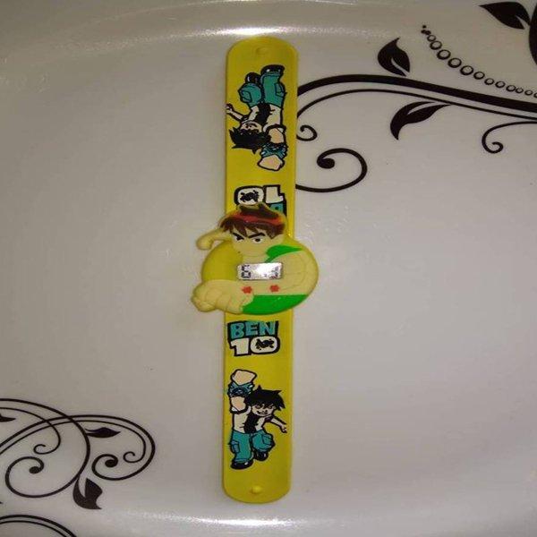 বাচ্চাদের হলুদ Ben 10 ডিজাইনের হাতের ঘড়ি
