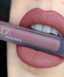 Huda Beauty মেট লিপস্টিক - ১পিস
