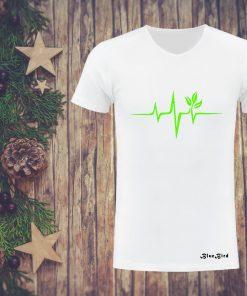 সলিড সাদা Green Heart প্রিন্টেড গোল গলা টি শার্ট