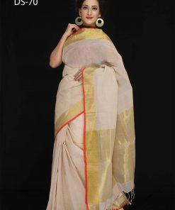 অফ হোয়াইট কালার গোল্ডেন পাড়ের তাত কটন শাড়ি DS70