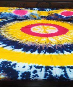 ২ পিস বালিশের কাভার সহ কিং সাইজ মাল্টি কালার বাটিকের বেড শীট
